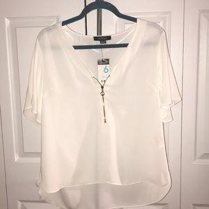 Short sleeve bell sleeve blouse